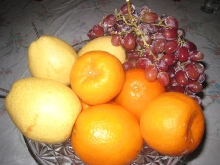 Round fruits symbolize money